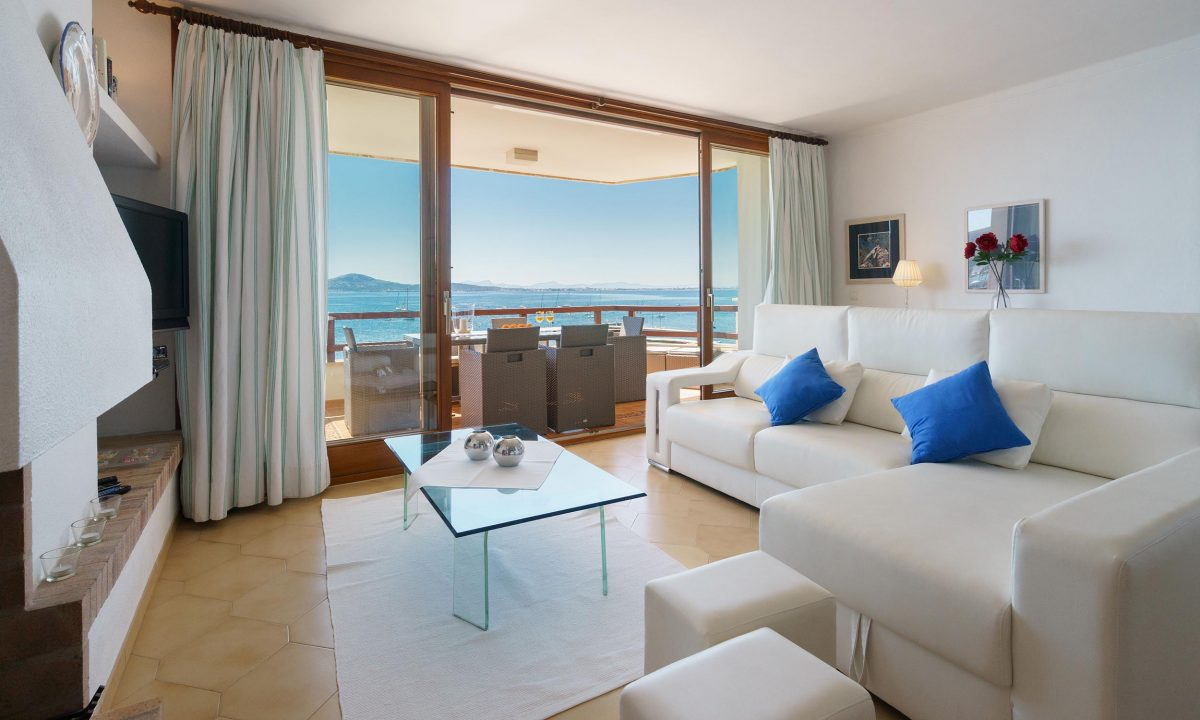 Living room Managed building process in Puerto Pollensa